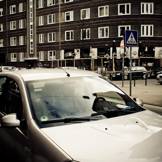 Parken auf Zebrastreifen ohne Polfilter