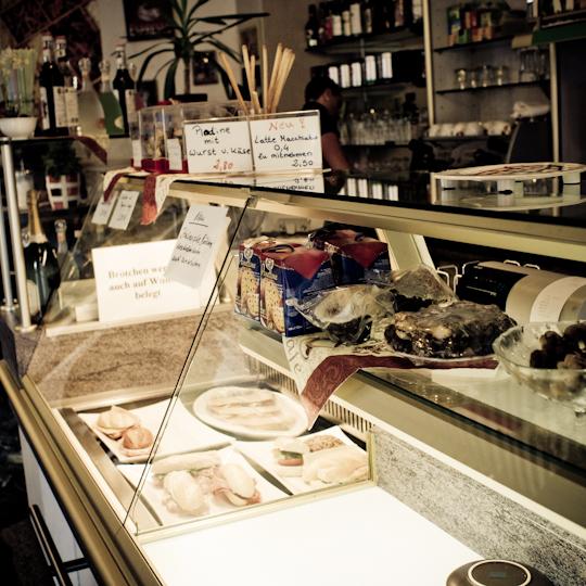 Lieblings Italiener an der Ecke, zwar mit Polfilter, aber die leckersten Sachen sind schon weg
