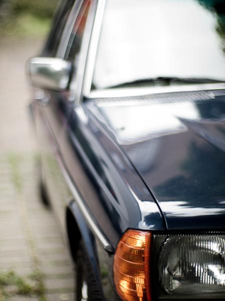 Ein W123, zum niederknien schön, nicht nur bei Offenblende